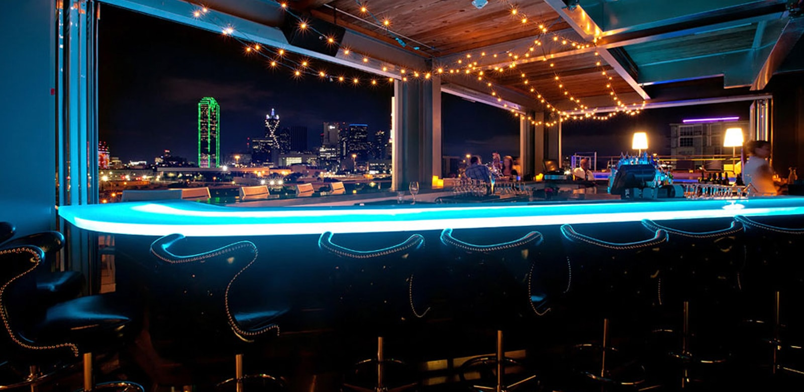 Canvas Lifestyle Hotel Dallas The Gallery Rooftop Bar